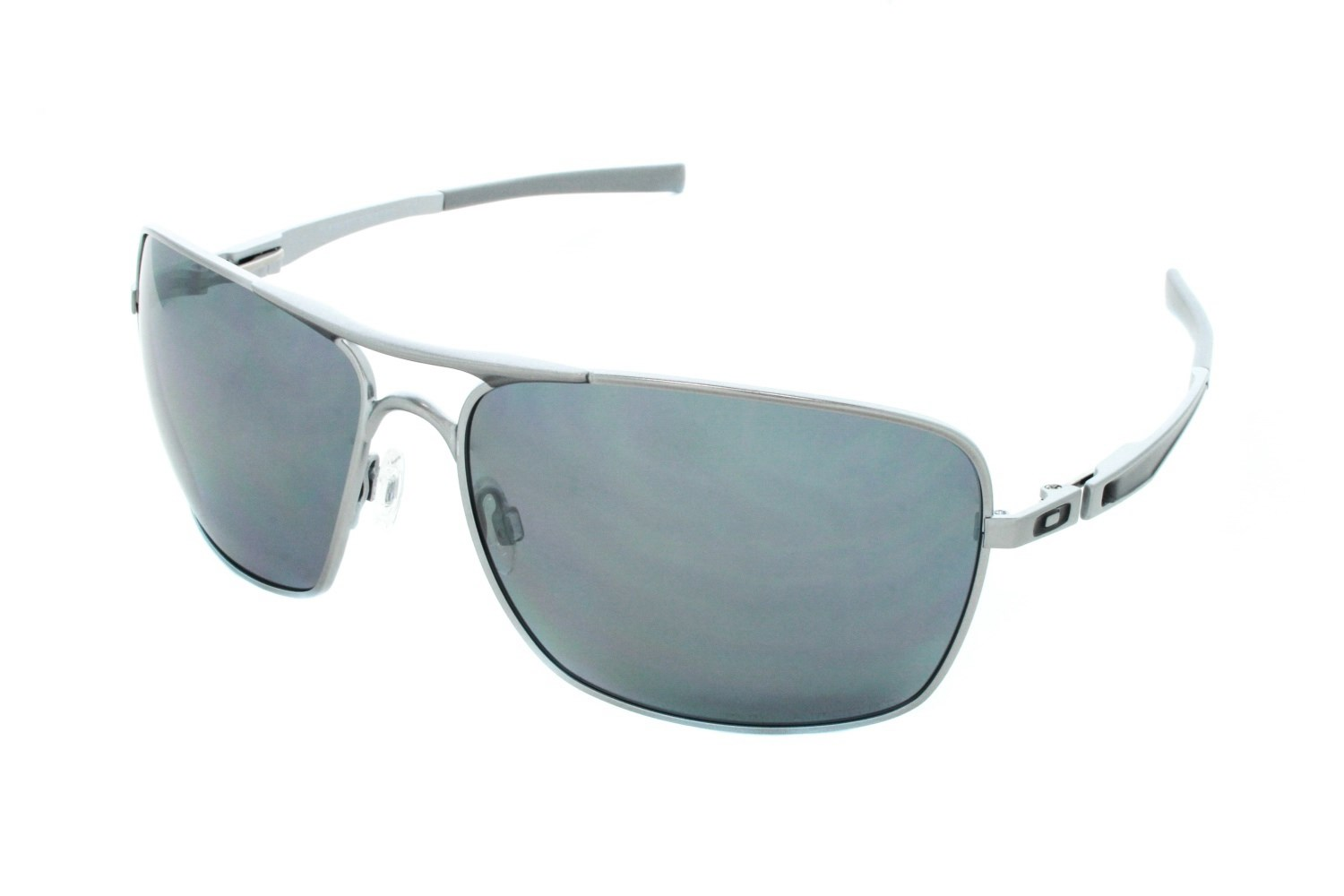 are all oakley sunglasses polarized  oakley plantiff squared