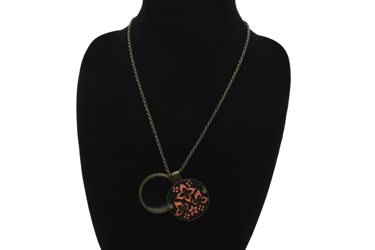 Alternate Image 1 - I Heart Eyewear Whimsy Magnifier Necklace  GlassesChainsStraps