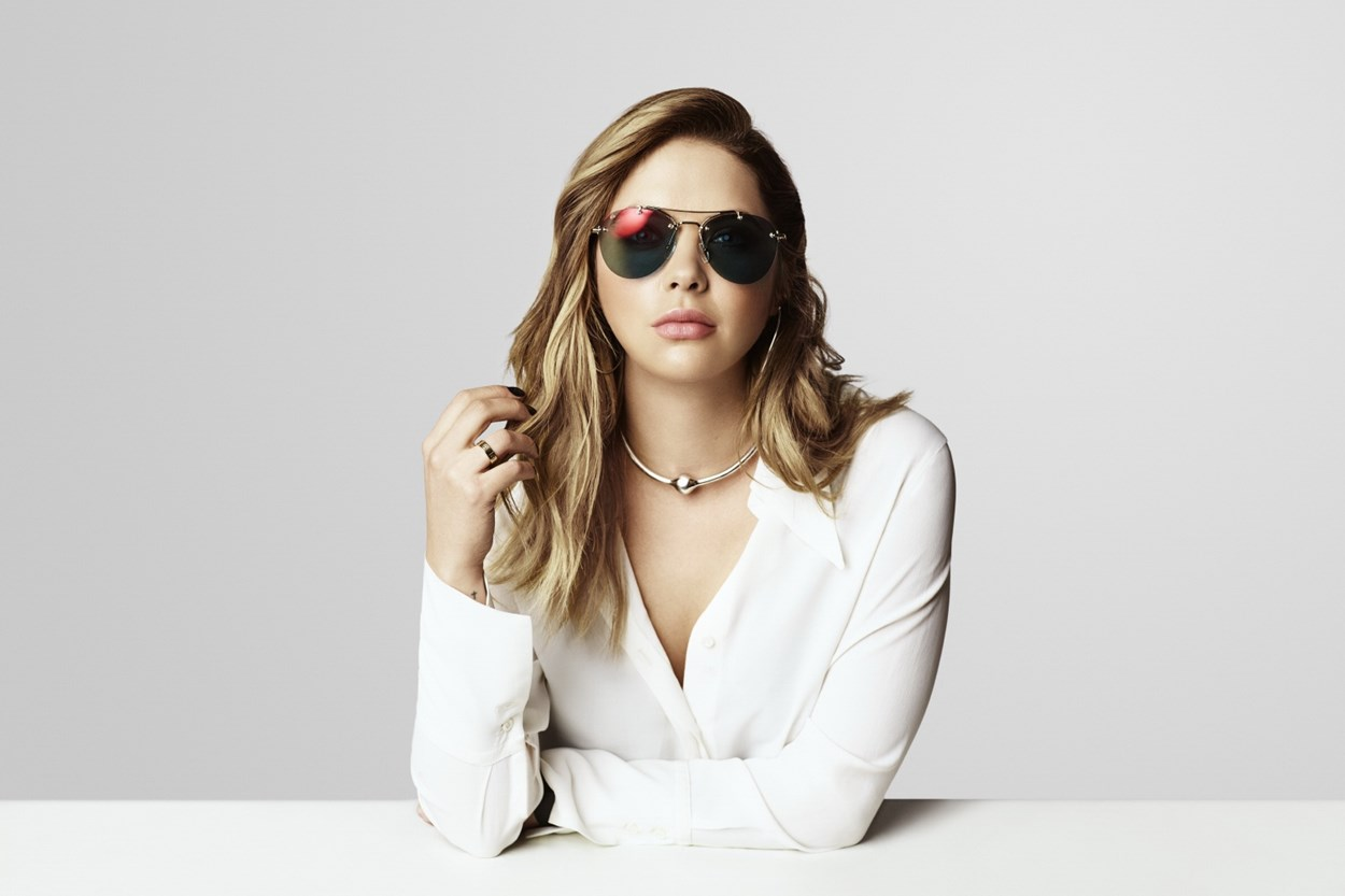 Alternate Image 1 - Prive Revaux The Dutchess Sunglasses - Gold